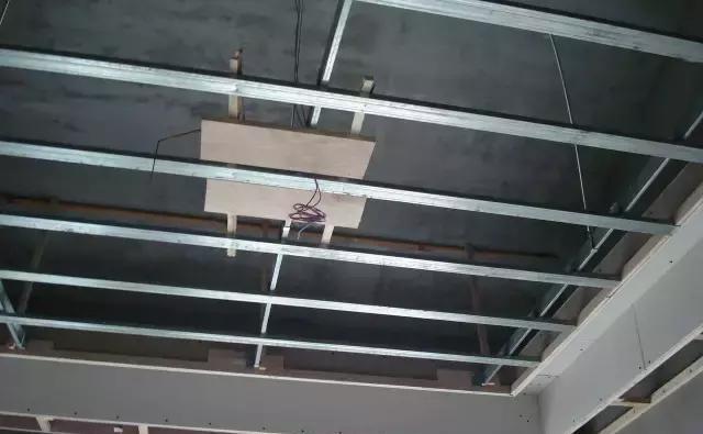 吊顶除了漂亮之外,更要实用性强