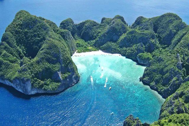 """首页 沙龙范 旅行    距离市区约20公里的涠洲岛则是北海的第二张"""""""