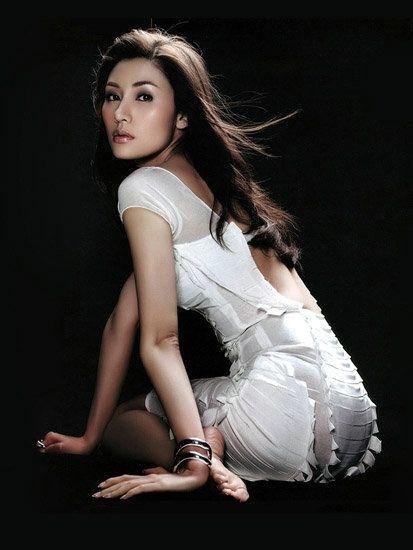 李嘉欣年轻照片-媒体盘点生子身价超10亿的富豪女星