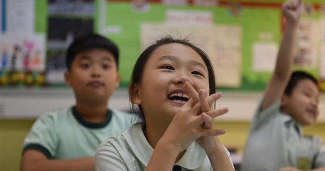 跨境学童每天六点起床过境上学