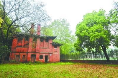 """武汉最古老大学建筑将修 曾被称""""小天安门"""""""