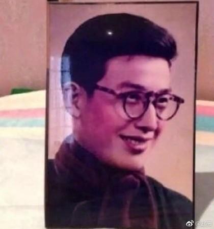 黄晓明撞脸赵薇爸爸 网友:怪不得无法在一起