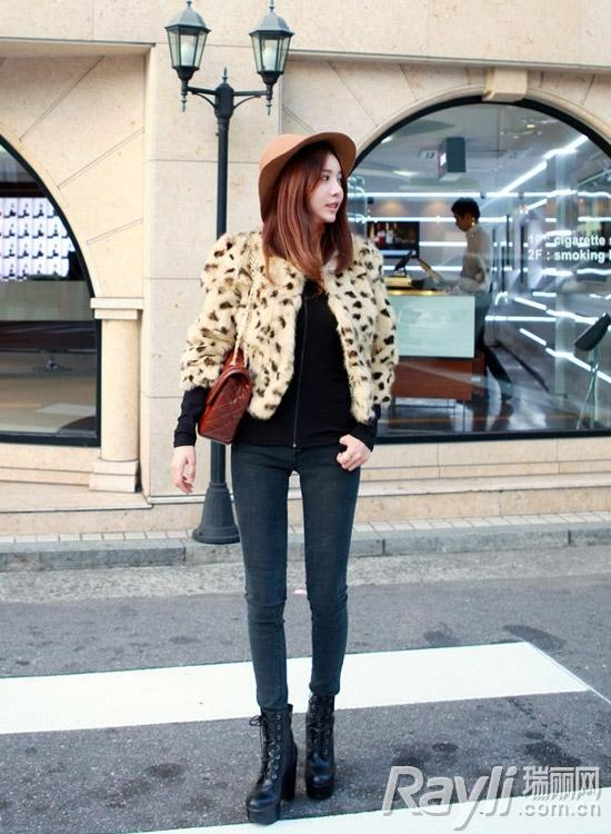 时尚豹纹外套搭配