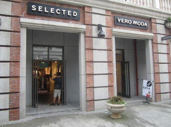 VERO MODA门店外观-VERO MODA年中特卖 全场5折起图片