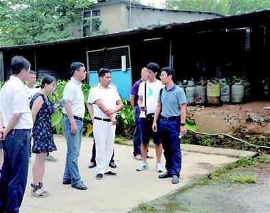 液化气储配站离居民区仅8米 武汉城管委叫停