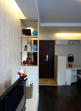 从客厅看大门70平米装修设计高清图片