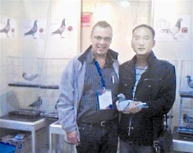 武汉大三男生卖信鸽