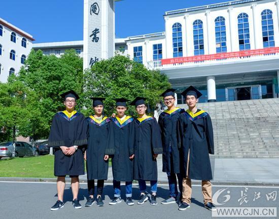 武汉高校学霸寝室 4人考上研究生2人进世界500强
