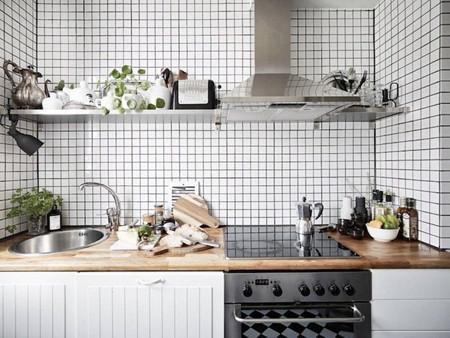 小厨房完全利用法则 一字型橱柜轻松收纳
