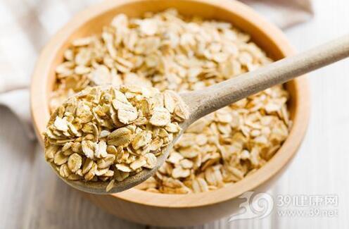 适当吃点燕麦对身体有益 购买时别选冲泡型