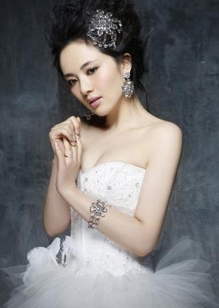 新娘礼服珠宝时尚搭配法则图片
