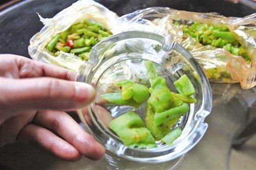 武汉食品萝卜染绿色摇身变苔菜一斤售5到7元园清菜贩伊真心有限公司方城县马领军图片