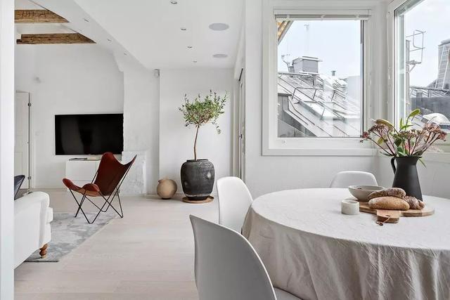 61m2三口之家,这样的顶层小公寓谁不想来一打?