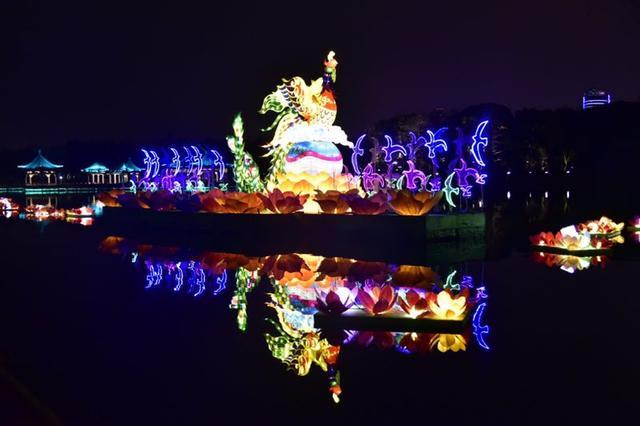 流光溢彩再添浓浓年味 东湖灯会惊艳回归