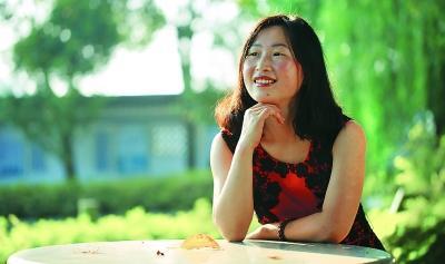 华裔女作家回国发书讲述移民故事