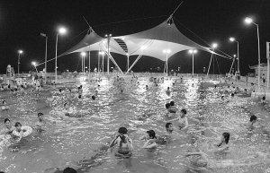 武汉中小学生明起可享免费游泳 家长入场仅2元