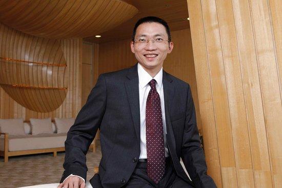 湖北两会陈一丹委员:用契约精神打造服务型政府