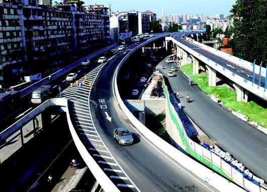 夜明珠高架桥昨正式通车 专供社会车辆通行(图)