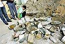 武汉挖出清末老墙砖 路人称其值钱引发哄抢
