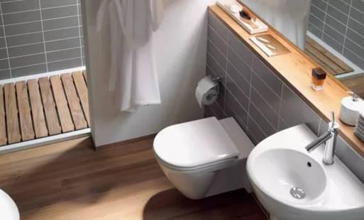 5,有的人家里因为布局问题需要将马桶移位,而壁挂马桶同层排水避免