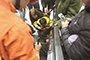 宜都一7岁男孩脚卡扶梯 消防紧急救援脱险(图)