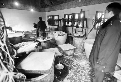 豆制品公司从黑作坊进货 称是个人行为