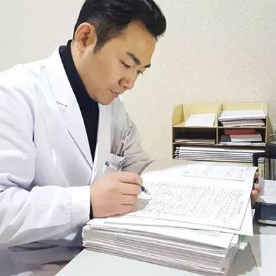 真相揭秘:眼科医生自己为什么不做近视手术?