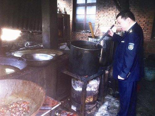 武汉查处重猪肉黑作坊臭口味加美味变美食卤八记香港调料图片