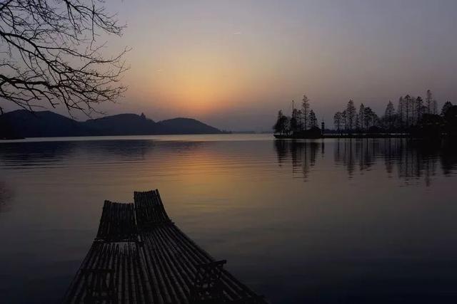 苦心孤诣几十载 他将芳华留给东湖