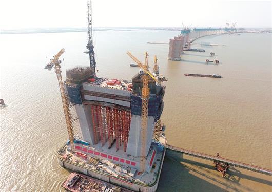 湖北造又创纪录 建首座跨度超千米公铁两用桥