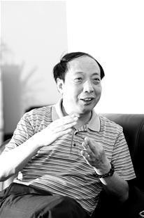 湖北民营企业家揭发迹史 从一穷二白到亿万富翁