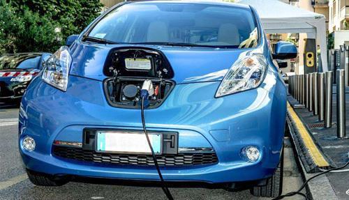 资本扎堆进入 新能源汽车行业或面临重新洗牌