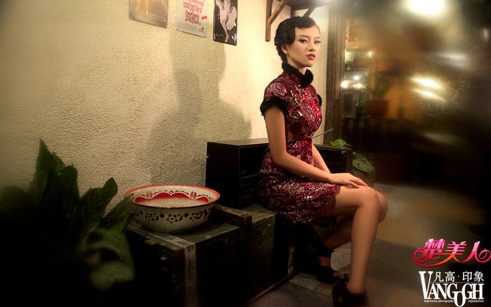 《楚美人》28期:武大女神黄灿灿的华丽复古蜕变