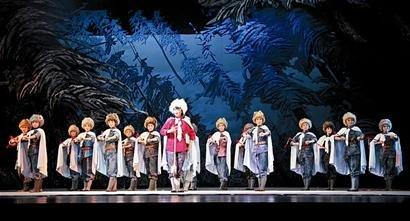 第六届京剧节 青春版《赵一曼》书写血色浪漫
