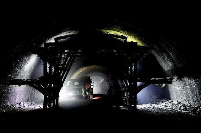 汉十高铁肖家沟隧道贯通 为第二条贯通的隧道