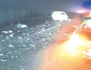 湖北一地突发交通事故 现场2死3伤