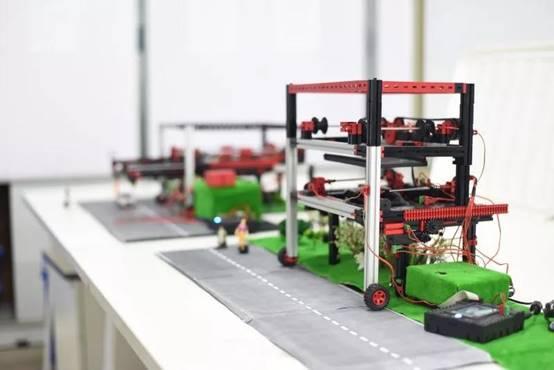 武汉商学院学生获全国大学生机械创新设计大赛一等奖图片