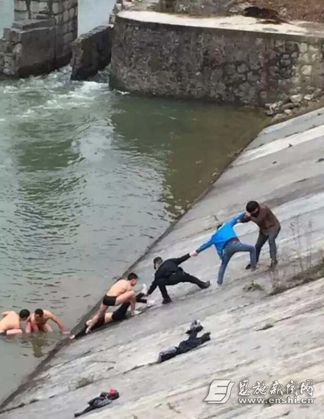 天降大雪 利川三市民刺骨江水中抢救落水女子