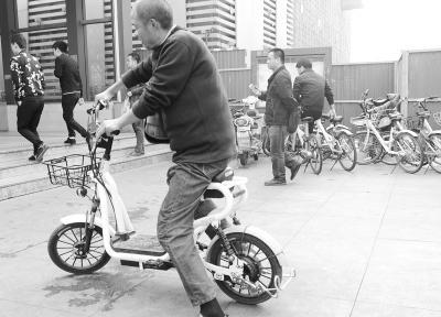"""共享电单车成武汉市近郊与高校周边""""新宠"""""""