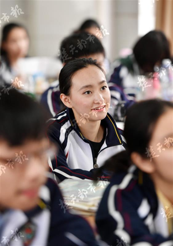 武汉高中生学中提琴2年 被5所世界名校抢着要