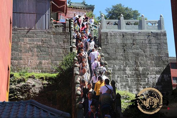 武当山前十个月接待游客590万人次 创历史新高
