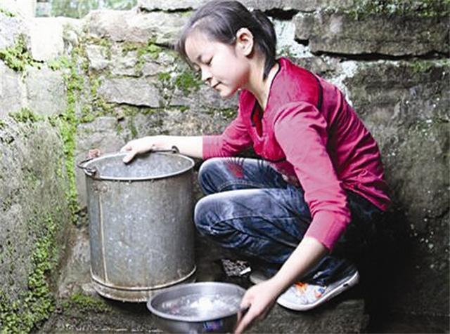 宜昌最美聋哑女孩:5岁开始洗衣做饭照顾病母