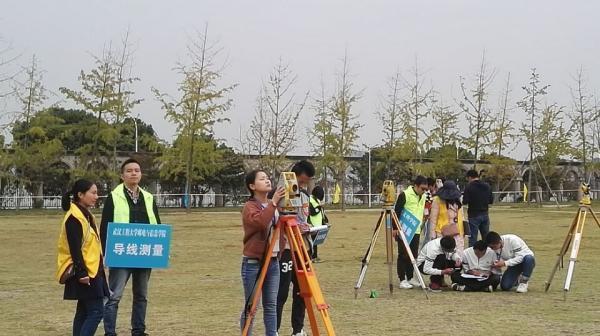 """2017年""""湖北工匠""""技能大赛举行 22所院校176名学子同台竞技"""