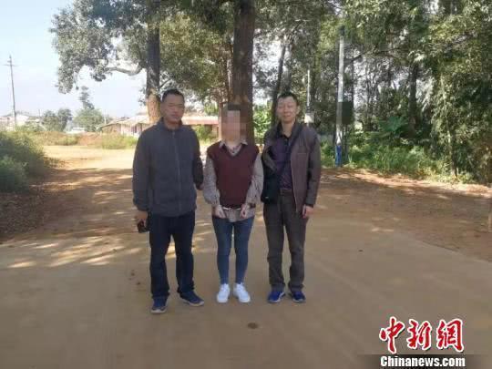 年轻女子组织卖淫潜逃国外  被抓时