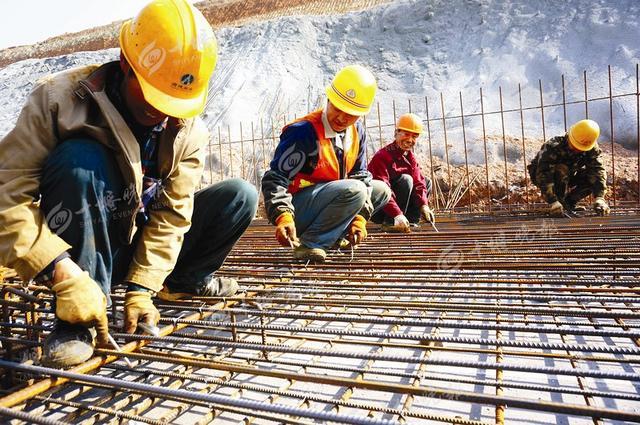 十堰沧浪大道西侧地下综合管廊建设已经过半