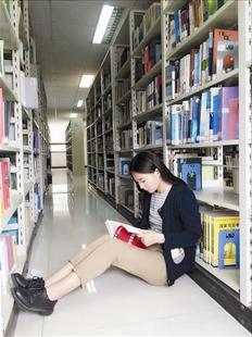 同时,她还是湖北理工学院建校以来首位考上北京大学研究生的学生.图片