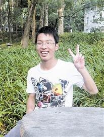 """新生来汉 最大""""叔叔""""新生28岁最小数学王子14岁"""