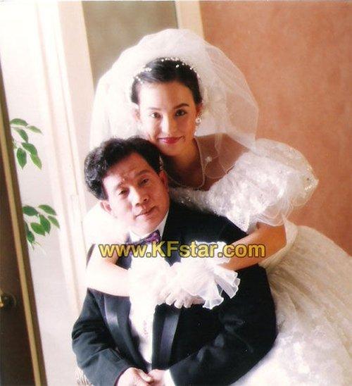 刘家良与小30岁翁静晶结婚 曾轰动娱乐圈_大楚网