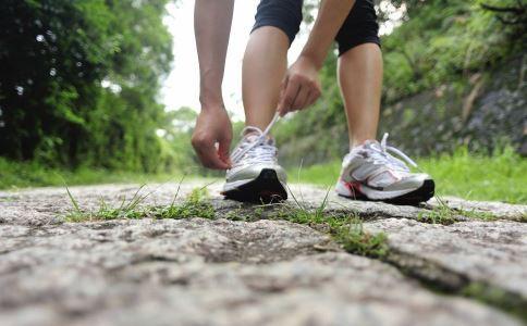 早上跑步好吗 早上跑步的好处有哪些 早上跑步的坏处有哪些