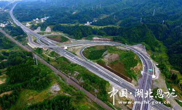 利川至万州高速公路今日通车 车程缩短至1小时